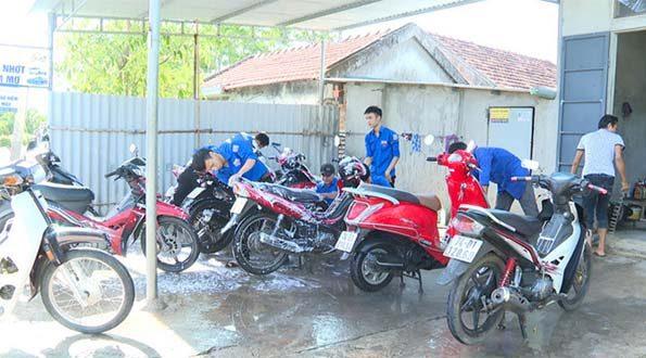 Rửa xe từ thiện