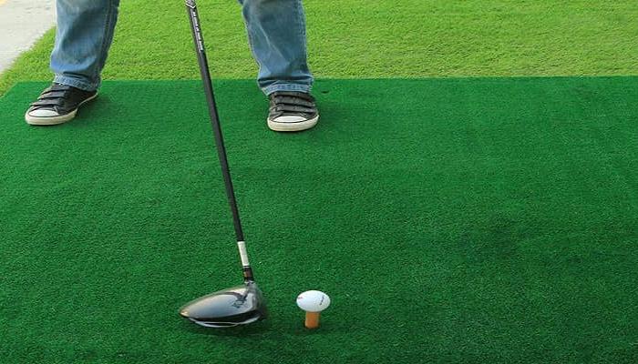Thảm tập golf trong nhà là gì?